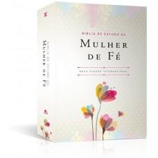 BIBLIA DE ESTUDO DA MULHER DE FE - CAPA LUXO FLORIDA - NVI